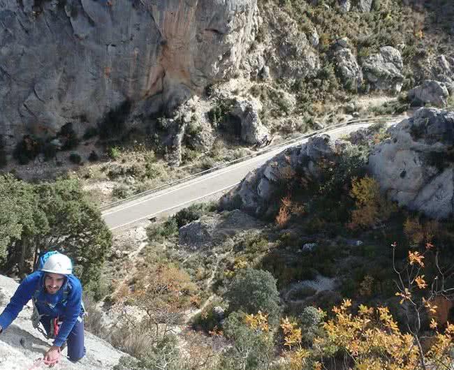 curso varios largos equipados en escalada en aragon