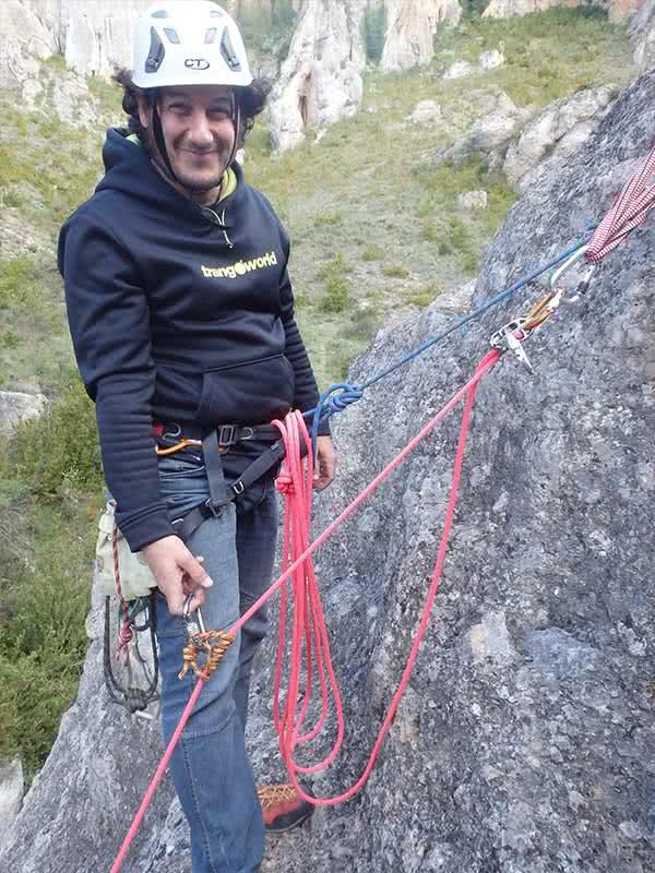 detalle curso varios largos equipados en escalada aragon