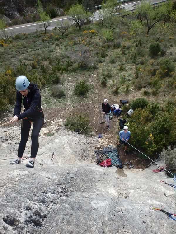 curso de iniciacion a la escalada en roca para grupos en zaragoza